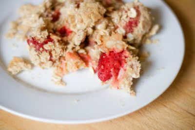 Rhubarb-Strawberry Crisp