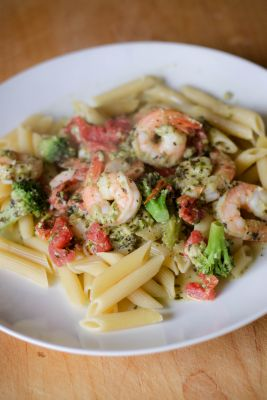 Shrimp & Pasta in Pesto Sauce